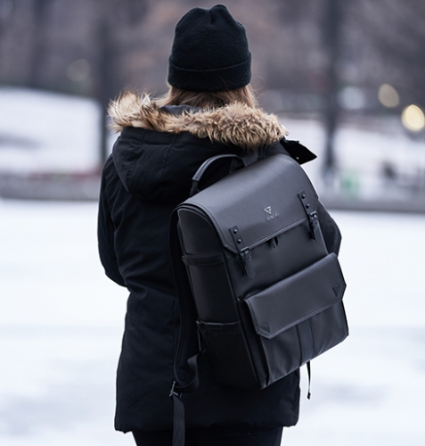 Is Carrying Your Bag Ruining Your Posture?
