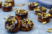 Feed Your Body Friday: Healthy Breakfast Donuts