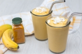 Feed Your Body Friday: Coconut & Turmeric Smoothie