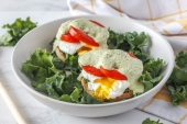 How to Make an Eggs Benny Twist With Avocado & Tomato