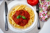 Feed Your Body Friday: Penne & Bolognese With a Healthy Twist