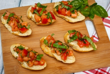 Spicy Summer Bruschetta: Feed Your Body Friday