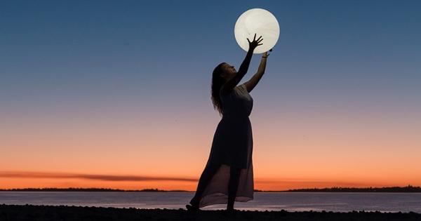 A Full Moon Meditation for Halloween   Daily Life