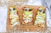 How to Make Mummy Pizza