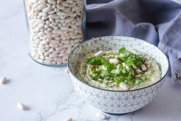 Feed Your Body Friday: White Bean Hummus