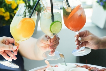 Your Guide to Patio Season, the Healthy Way!