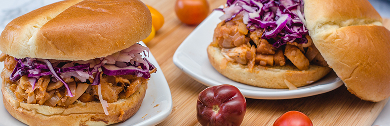 A vegan pulled pork sandwich.