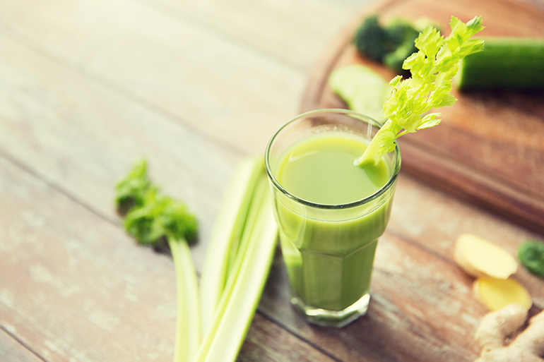celery juice in glass