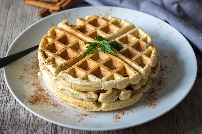 Feed Your Body Friday: Cinnamon Oat Waffles