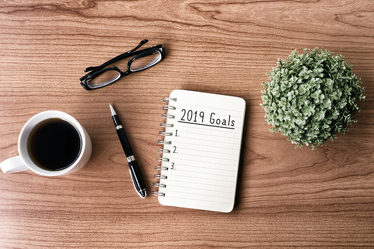 How to Set Your New Years Resolutions With Intention